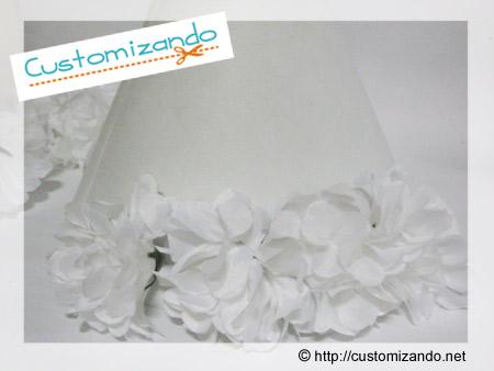 Customização de abajur com flores