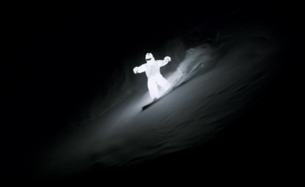 Spectacular Night-Time LED Snowboarding