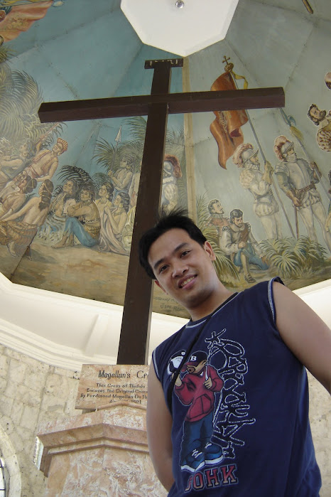 PauTravels at the Magellan's Cross in Cebu