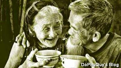 Tìm những bài thơ tình yêu hay nói về những người già rồi những vẫn yêu thương nhau