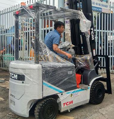 Xe nâng điện TCM FB20-9 Nhật Bản