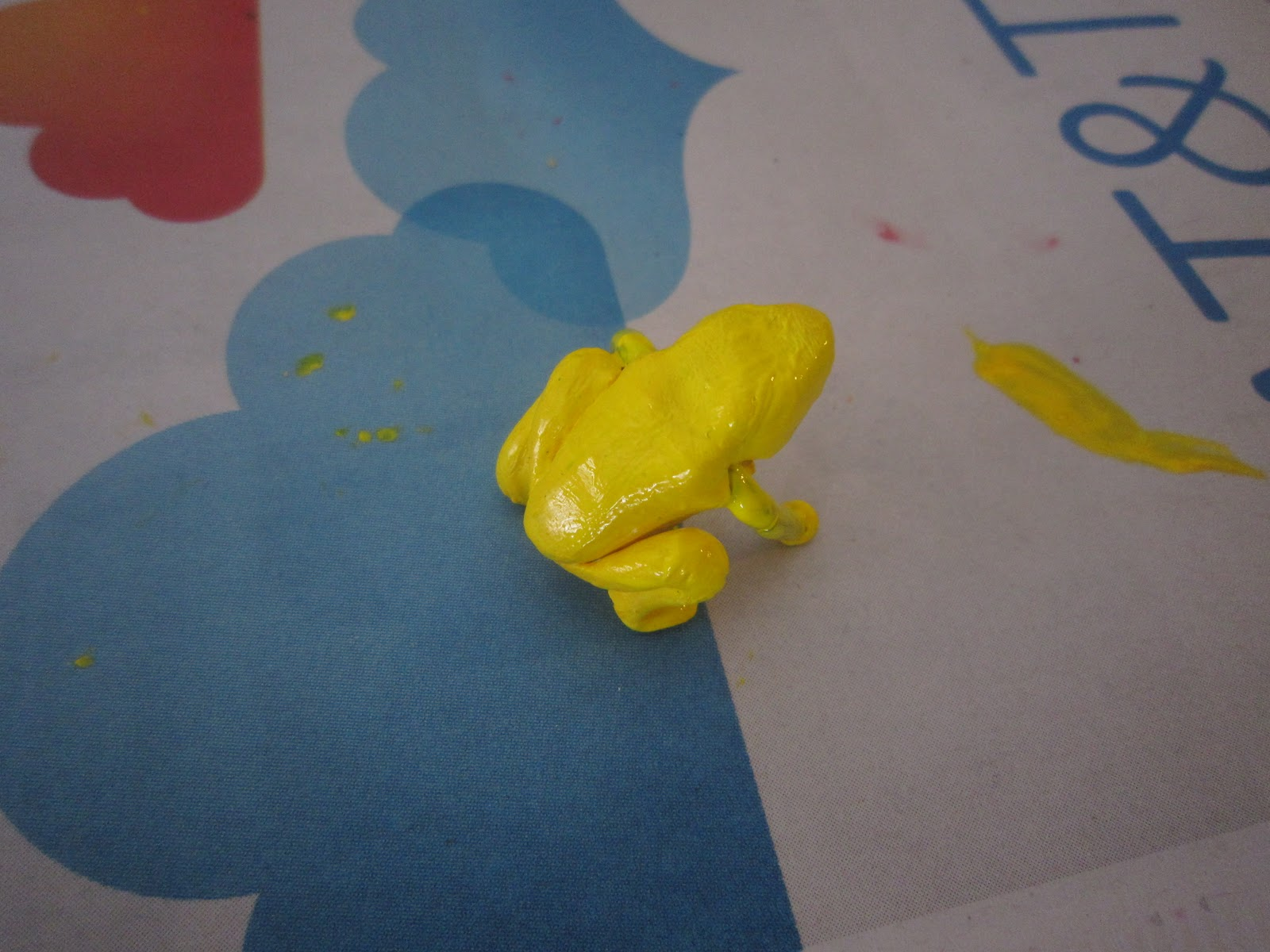 Chuck Does Art: Clay and Wire Poison Dart Frog