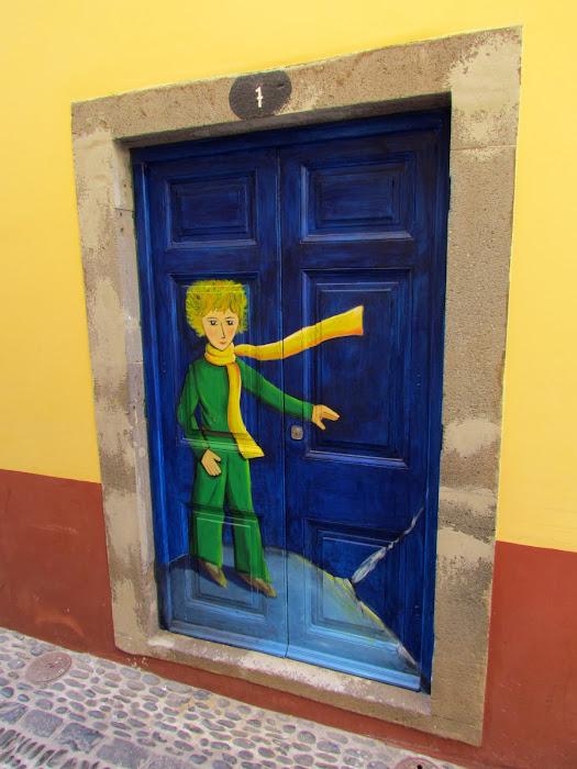 litle boy - Santa Maria street in old town