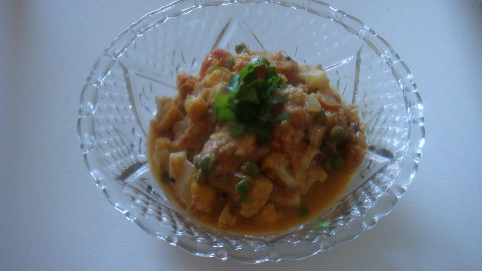 Cauliflower Peas Kurma – Recipesbnb
