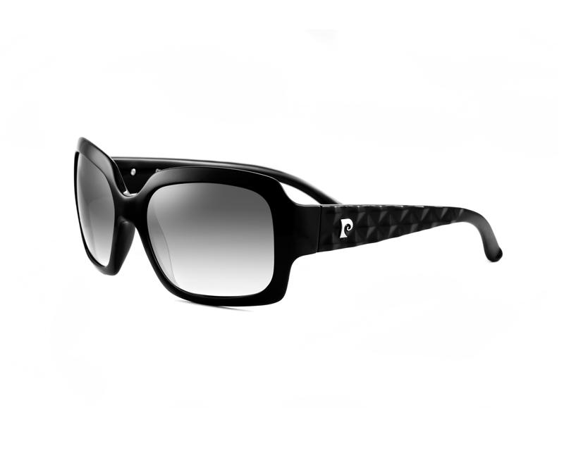 34ade22dd Óculos de sol Pierre Cardin atualizam o look das consumidoras modernas