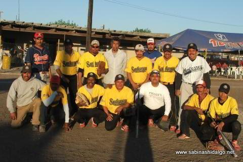 Equipo Agua y Drenaje en el softbol del Club Sertoma