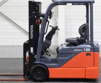 Xe nâng điện 3 bánh Toyota 1 tấn