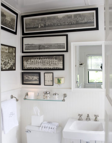 The Pretty Purveyor: Bathroom Character