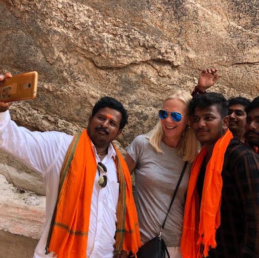 Linda Avey Photo 27