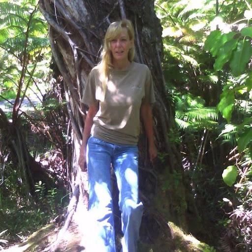 Lynn Merrill Photo 17