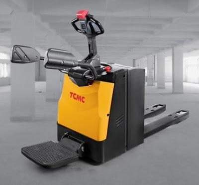 Xe nâng con cóc pallet mover TCM Nhật Bản