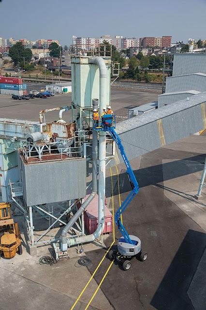 Genie articulating boom lift Z-45 HF