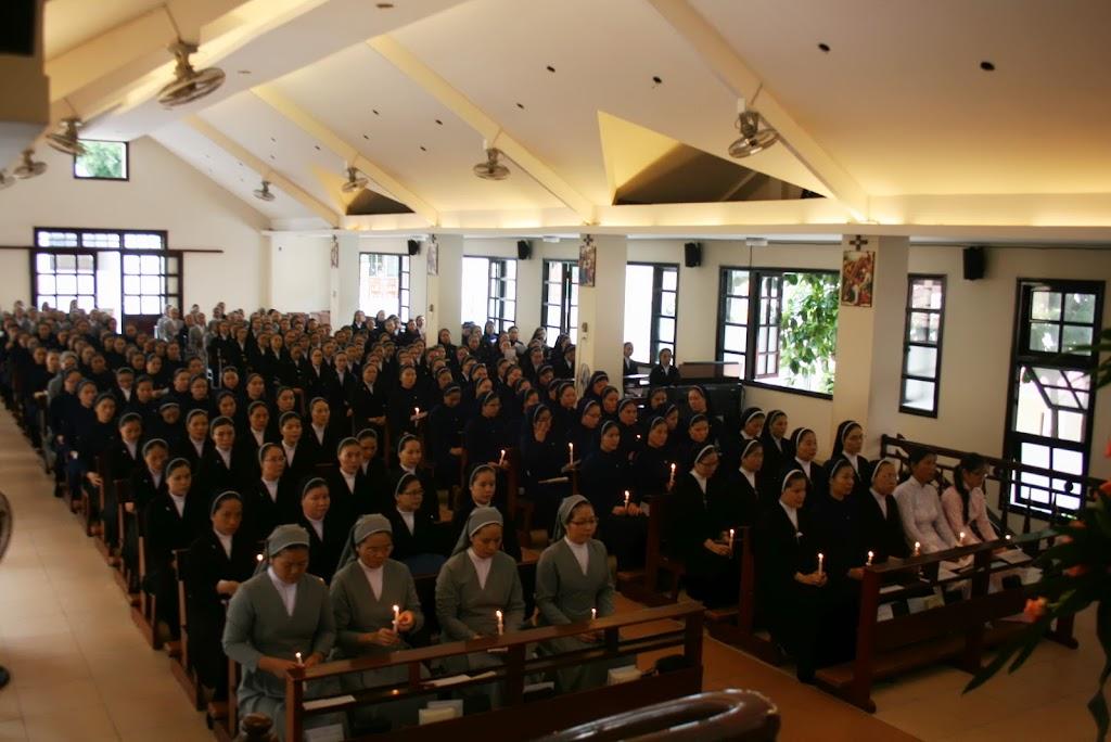 Thánh lễ Bế Giảng Lớp Thần Học Liên Tu Sĩ Khóa XV tại Giáo Phận Nha Trang