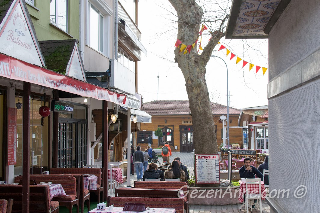 Anadolu Kavağı iskelesi ve restoranlar
