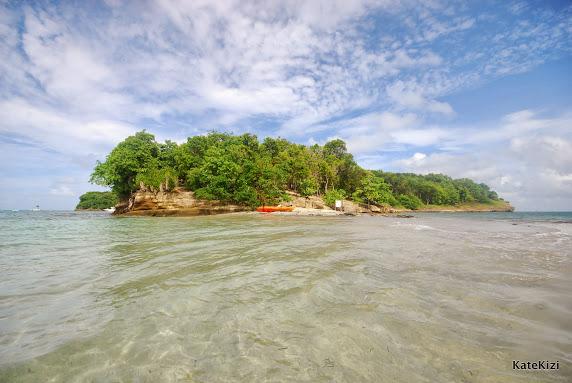 Остров Тьерри и маленькая коса с изумительным пляжем