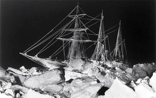 Apesar dos esforços para liberá-lo, o destino final foi encontrado no fundo do mar, deixando toda a tripulação para trás.