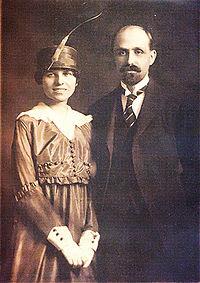 Resultado de imagen de Juan Ramón Jiménez se casa con Zenobia Camprubí Aymar.