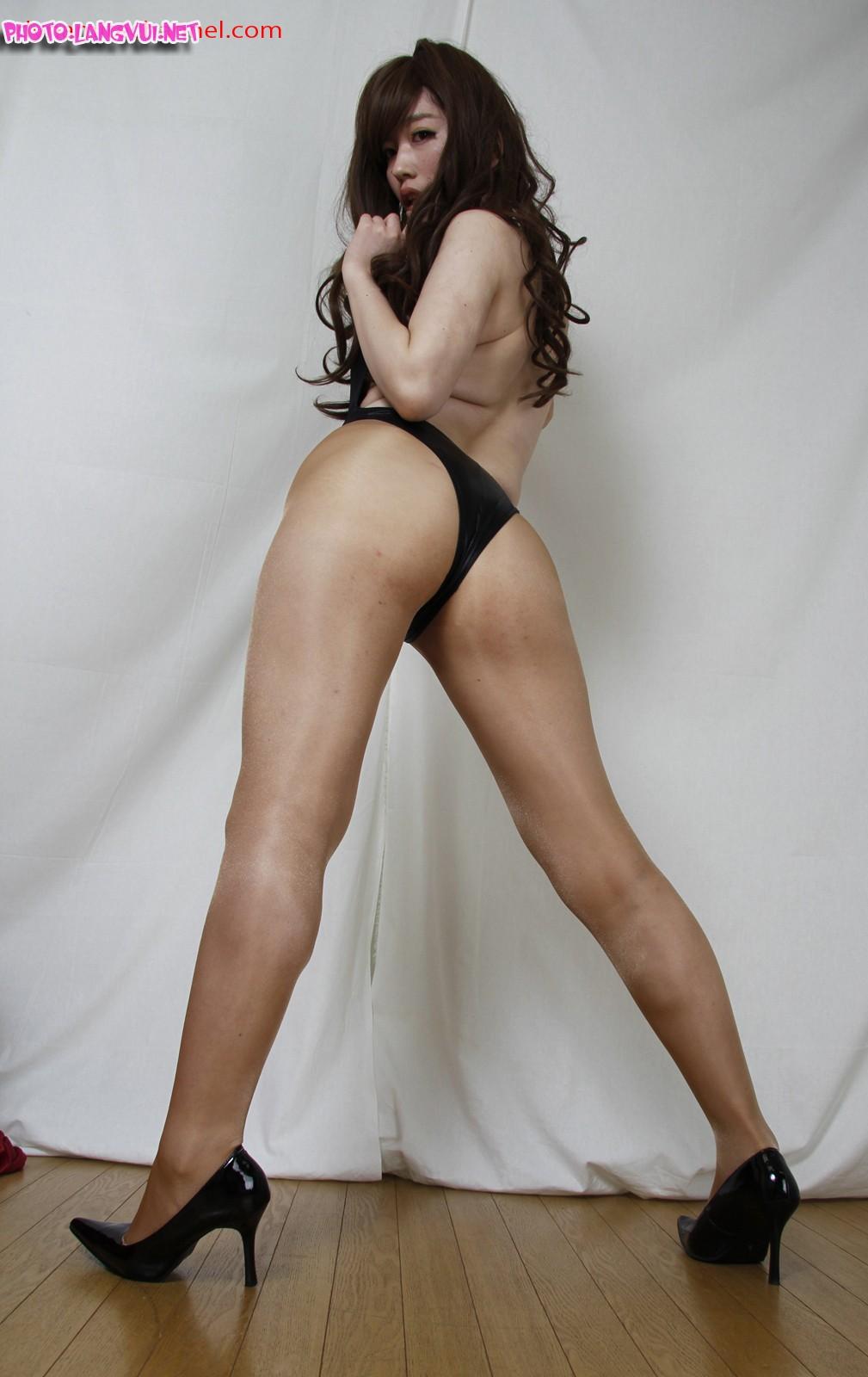 Girl Tạo dáng show hàng sexy part1