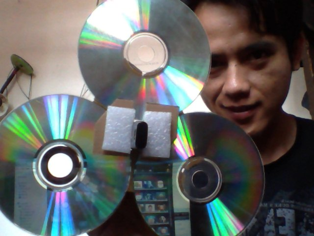 Penguat Sinyal Modem Cantik dengan CD Bekas 4