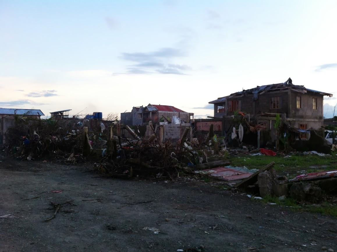 https://lh4.googleusercontent.com/-zDm5LZO_-XY/UtjqwCwQwyI/AAAAAAAADNg/3cACPr2o1iI/w1158-h865-no/san-jose-tacloban-relief-002.jpg