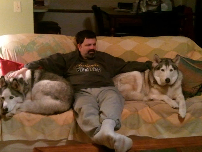 Real men love huskies and malamutes! 2012-03-10