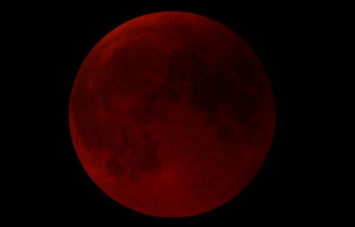 eclipse pic7 Pictures Of Lunar Eclipse From Around The World