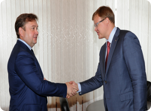 фото Губернатор встретился с председателем правления Среднерусского банка