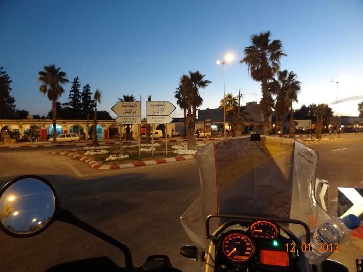 Marrocos e Mauritãnia a Queimar Pneu e Gasolina - Página 3 DSC05550