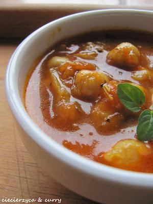 Lekkie curry - ciecierzyca z pomidorami