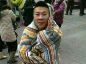 瀋陽地震逃生哥