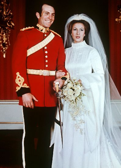 Princess Anne Married Her First Husband Captain Mark Phillips On November 14 1973 We Ve Already Discussed The Tiara She Wore Loan From