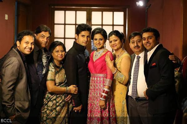 Ravi Dubey And Sargun Mehta With Family During Their Wedding Reception Held In Mumbai