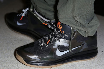 kings feet 2013 01 lebron 9 war vet 1 Kings Feet: LeBron 9 Low War Vet & Zoom Jet Turf Oregon PE
