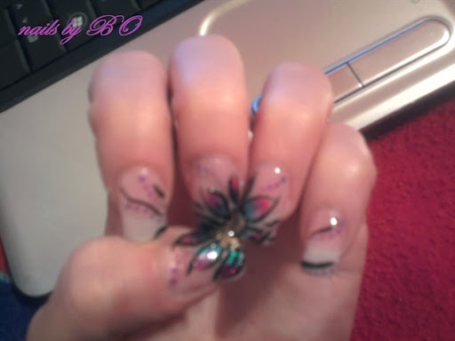 flower on nails