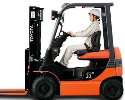 Xe nâng điện Toyota 2 tấn