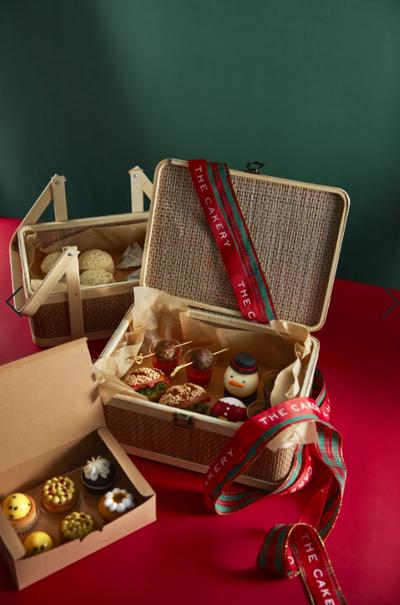 The Cakery Takeaway Vegan Christmas Afternoon Tea Set