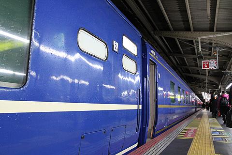 JR寝台特急「日本海」 4001レ 大阪駅発車前の一コマ