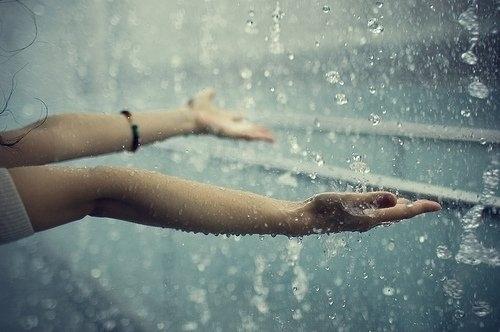 Thơ tâm trạng buồn trong mưa Hạ