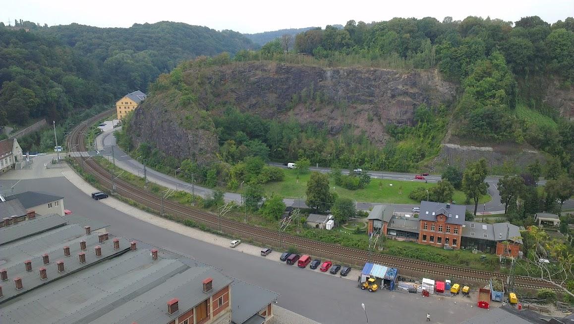 Ausblick auf die Bahnhstrecke im Weißeritz Tal