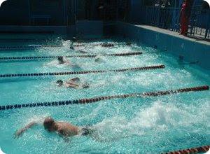 Соревнование по плаванию