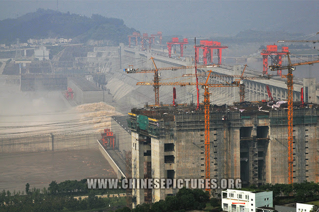 Three Gorges Dam Photo - Construction