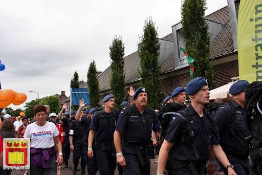 Vierdaagse van Nijmegen door Cuijk 20-07-2012 (30).JPG