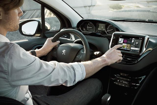 2012 Peugeot 208