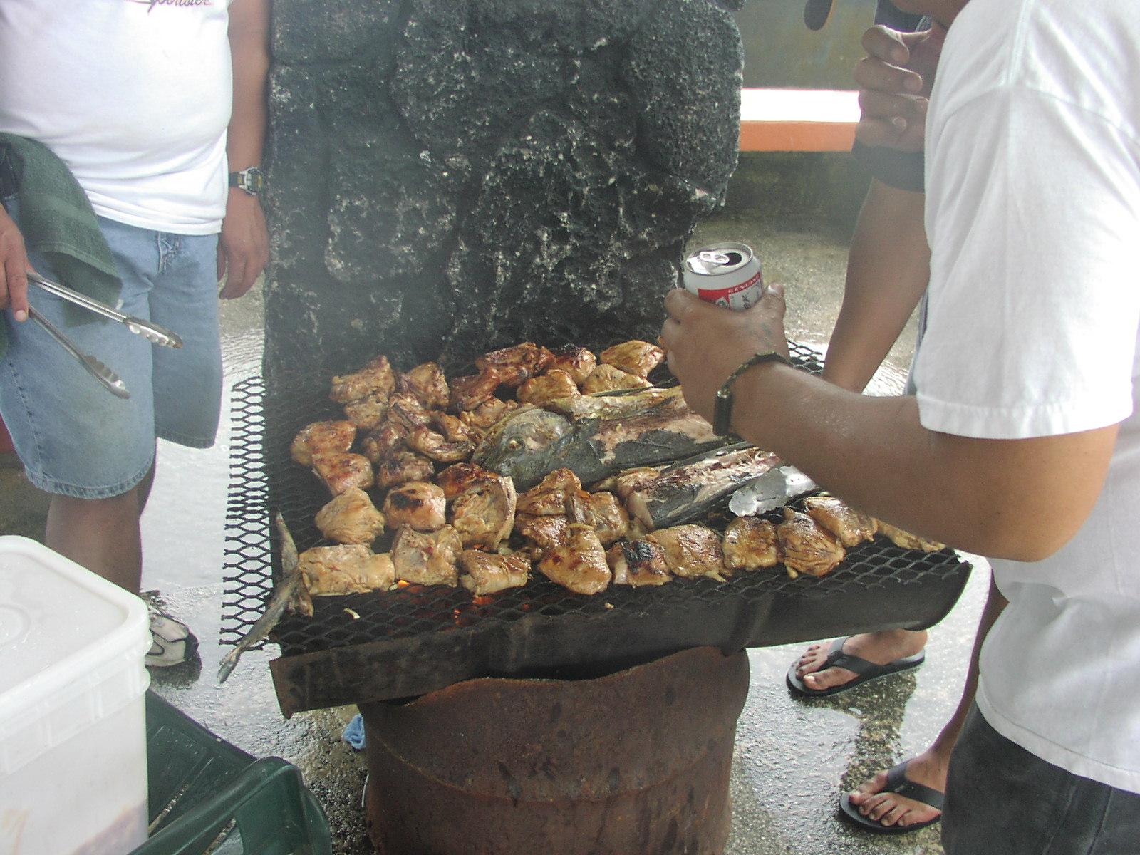 BBQGuam: Easy BBQ Pit- 55-Gal. Drum
