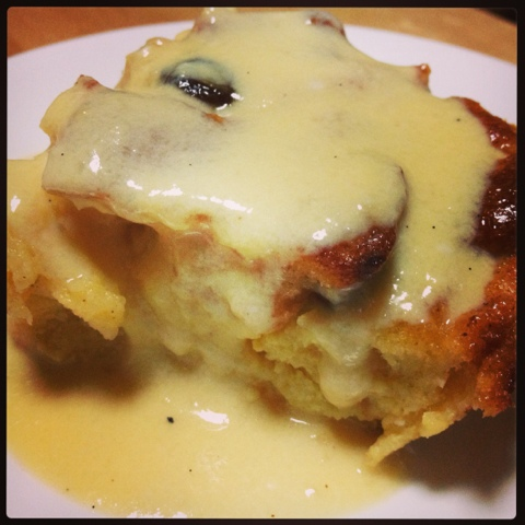 Mommy In The Kitchen: Bread and Butter Pudding with Vanilla Sauce