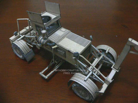 Husky Towing Mine Detection Vehicle Papercraft
