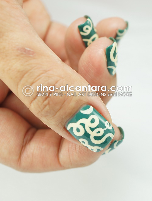 Loops Nail Art Design