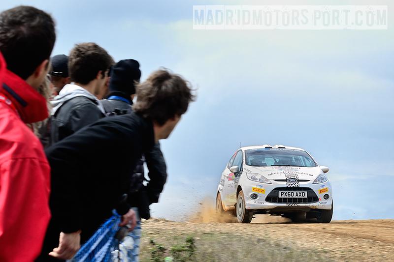 WRC Portugal 2012 Fredrik-%25C3%2585hlin-y-Morten-Erik-Abrahamsen_Ford-Fiesta-R2