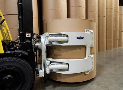Xe nâng kẹp giấy cuộn tròn