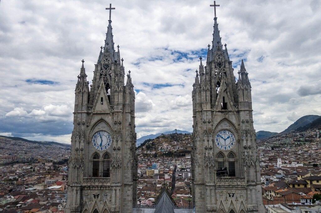 ecuador opening borders to tourists